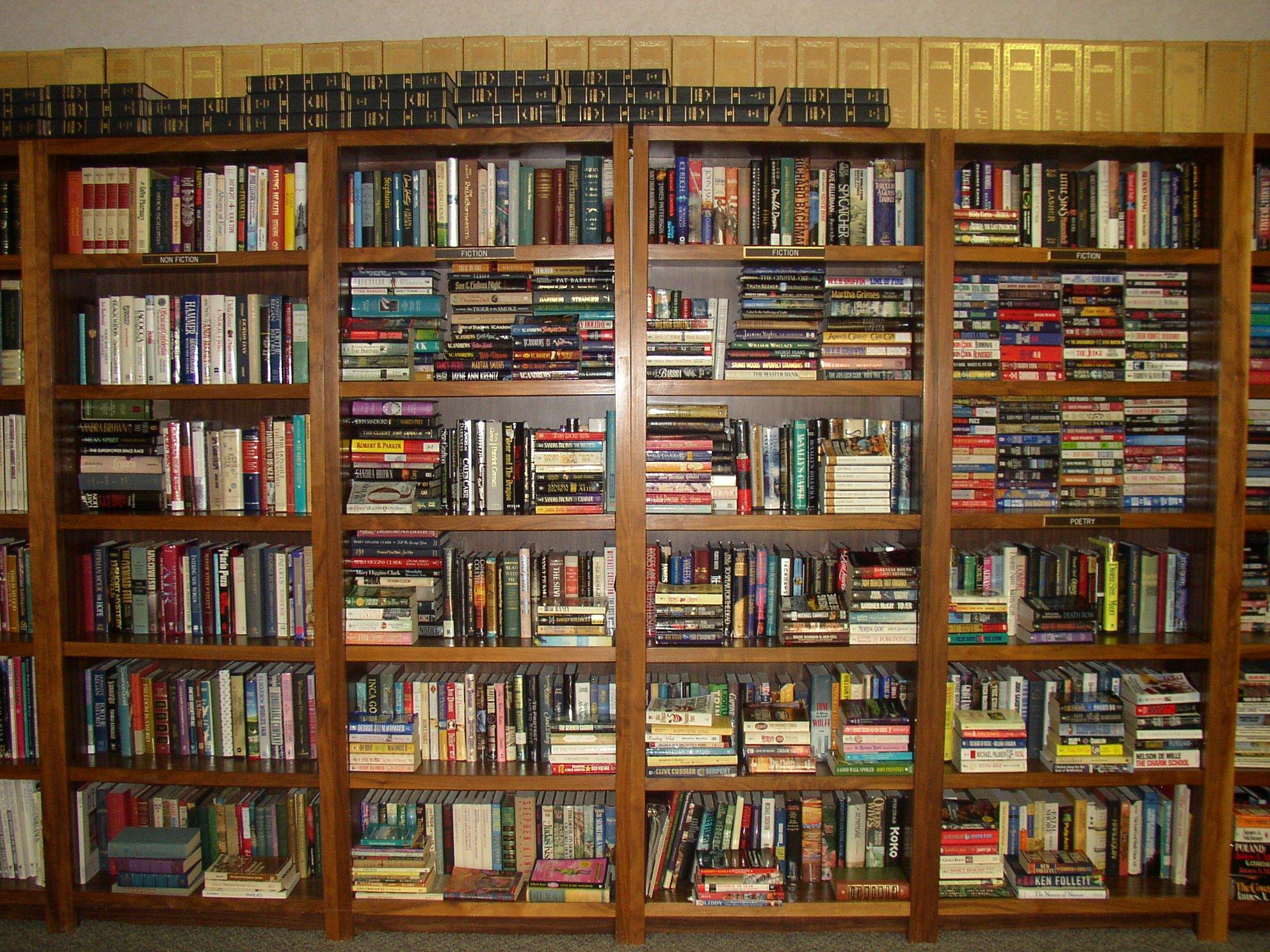 biblioteksmusset i borås, besök, bibliotekshyllor