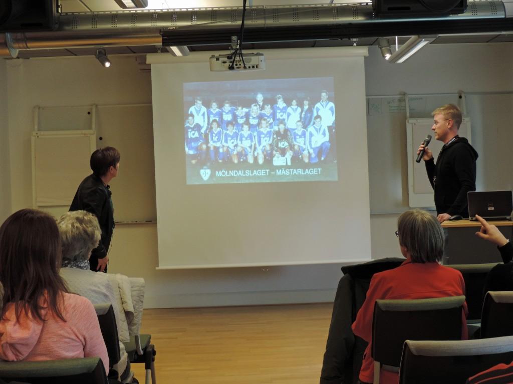 Jonas Andersson försöker formulera intelligenta frågor till Anette Börjesson. Foto: Claes-J Meurling.